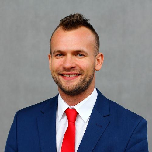 Handlowiec - Kamil Dziosa