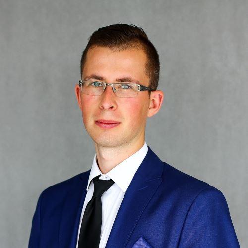 Handlowiec - Piotr Czernowałów