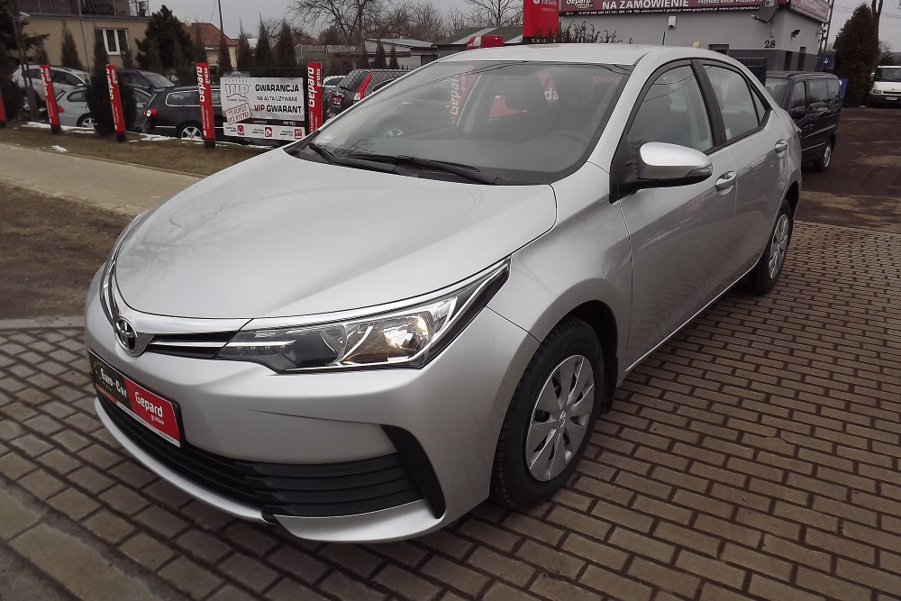 Toyota Corolla XI Sedan 5-osobowy - Wypożyczalnia Euro Car Janów Lubelski, Wynajem