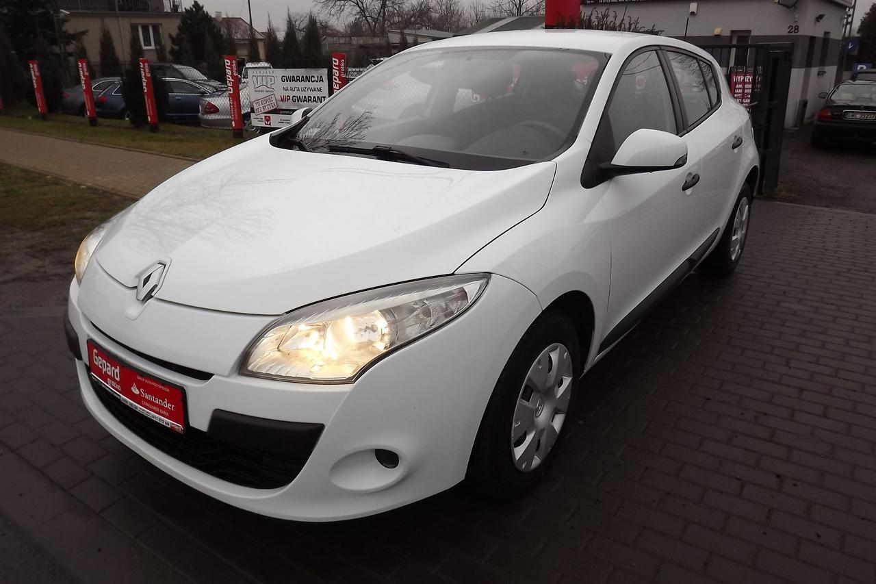 Renault Megane III Hatchback 5-osobowy - Wypożyczalnia Euro Car Janów Lubelski, Wynajem